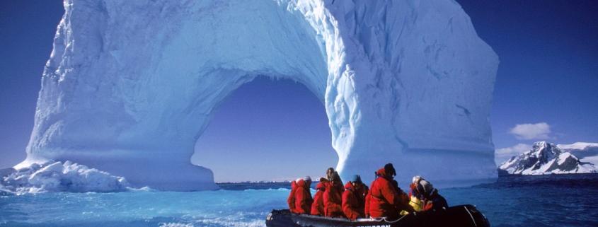 Открытие Антарктиды русскими моряками