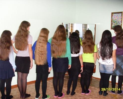 А у нас,а у нас, косы просты - высший класс!