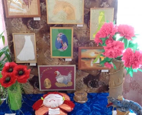 С 16 по 23 апреля в школе прошла выставка детских работ
